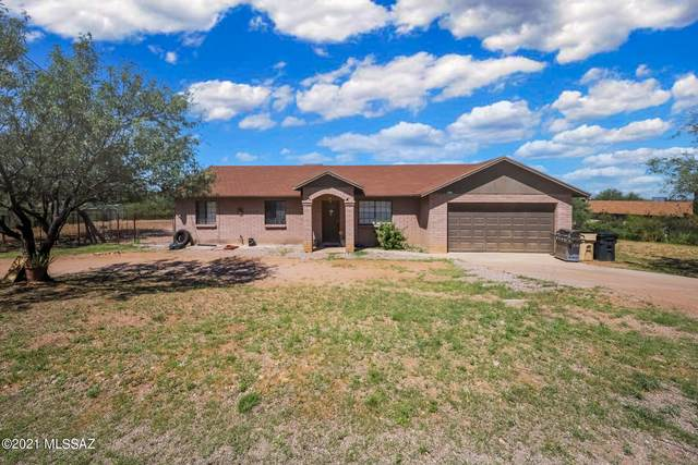 950 Forja Court, Rio Rico, AZ 85648 (#22120367) :: Long Realty - The Vallee Gold Team