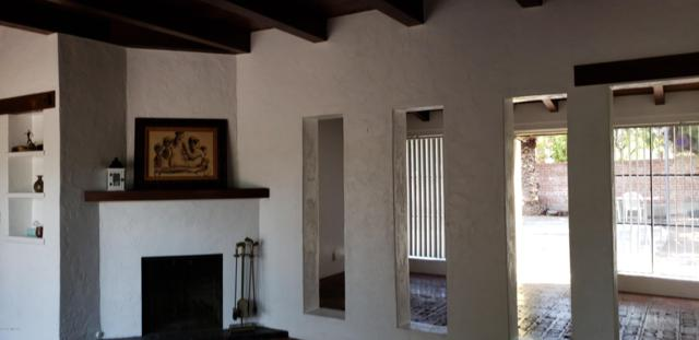 2250 E 8Th Street, Tucson, AZ 85719 (#21909871) :: The Local Real Estate Group | Realty Executives