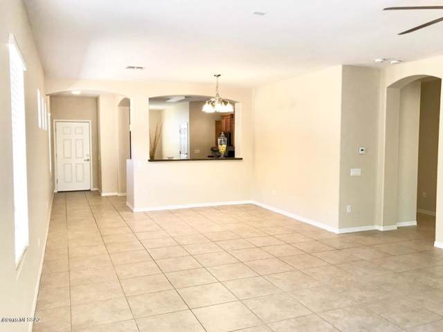 10389 E Yew Place, Tucson, AZ 85747 (#21928621) :: Long Realty - The Vallee Gold Team