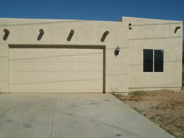 167 Avenida Pastor, Rio Rico, AZ 85648 (#22009880) :: Long Realty - The Vallee Gold Team