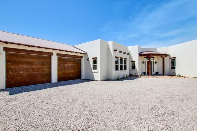 4390 N Hacienda Del Sol Road, Tucson, AZ 85718 (#22009961) :: Keller Williams