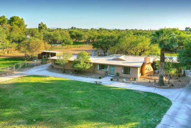 8230 E Woodland Road, Tucson, AZ 85749 (#22024772) :: Gateway Partners