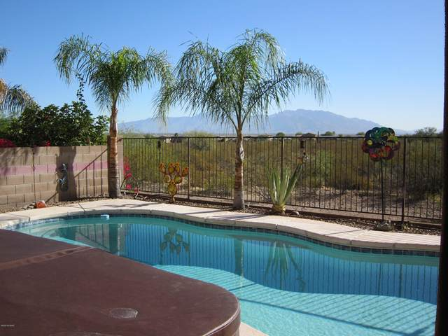 8202 N Painted Feather Drive, Tucson, AZ 85743 (#22028758) :: Long Realty - The Vallee Gold Team