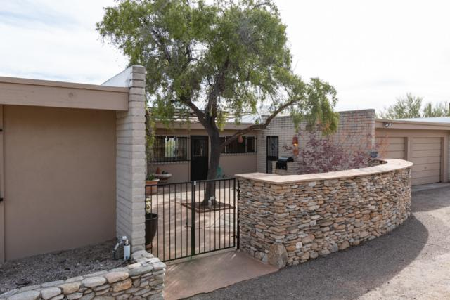 6740 N Camino Padre Isidoro, Tucson, AZ 85718 (#21906104) :: Long Realty - The Vallee Gold Team