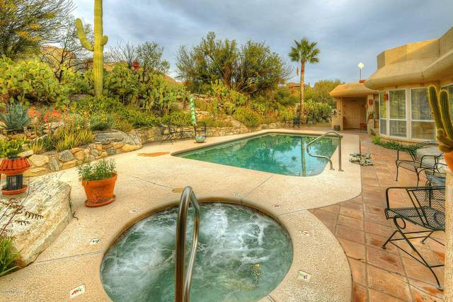 6321 N Canon Del Pajaro, Tucson, AZ 85750 (#22006402) :: Long Realty - The Vallee Gold Team