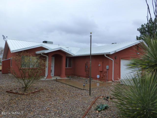 300 N Dale Road, Pearce, AZ 85625 (#21603755) :: Long Realty - The Vallee Gold Team