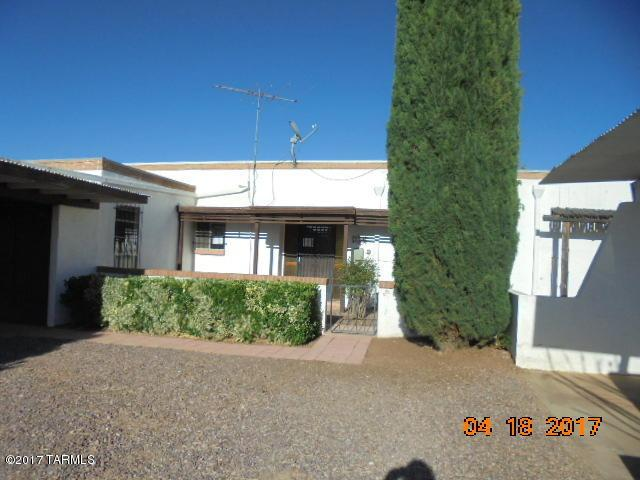 227 N Tracy Road, Pearce, AZ 85625 (#21713189) :: Long Realty - The Vallee Gold Team