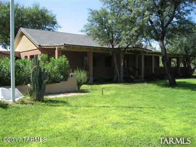 8240 E Woodland Road, Tucson, AZ 85749 (#21716600) :: Long Realty Company