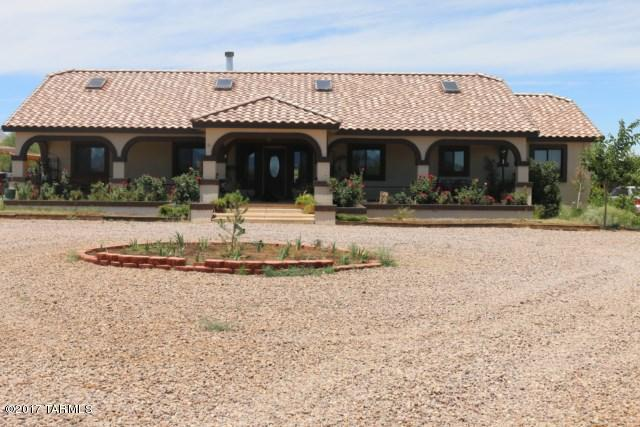 221 E Allen Lane, Huachuca City, AZ 85616 (#21721741) :: Long Realty - The Vallee Gold Team