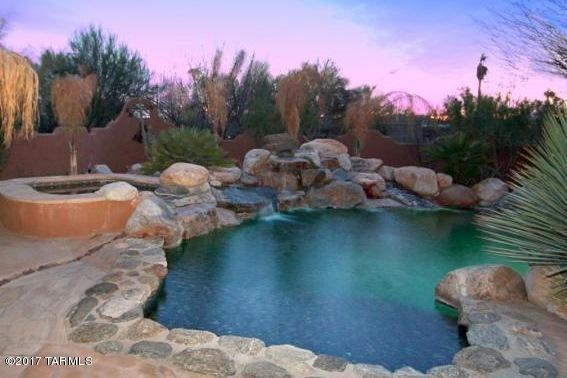 6873 N Placita Chula Vista, Tucson, AZ 85704 (#21722540) :: Keller Williams