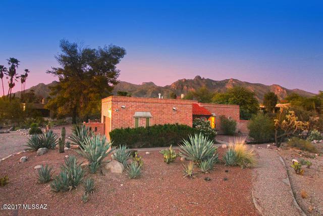 6290 N Camino Arturo, Tucson, AZ 85718 (#21724947) :: Long Realty - The Vallee Gold Team
