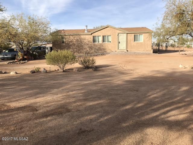 16720 W Falcon Lane, Marana, AZ 85653 (#21730287) :: Long Realty - The Vallee Gold Team