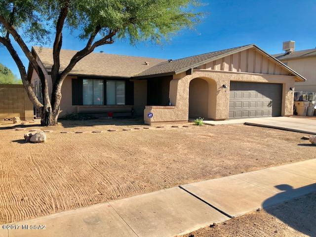 7561 S Via Hermosa, Tucson, AZ 85746 (#21730324) :: The Josh Berkley Team