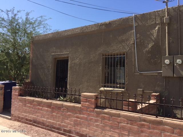 1348 S 9th Avenue, Tucson, AZ 85713 (#21731619) :: RJ Homes Team