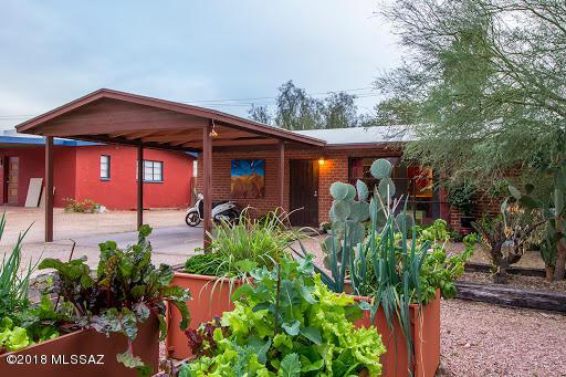 850 E Water Street, Tucson, AZ 85719 (#21801954) :: Long Realty - The Vallee Gold Team