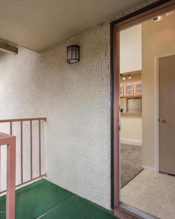 1600 N Wilmot Road #225, Tucson, AZ 85712 (#21802091) :: Gateway Partners at Realty Executives Tucson Elite