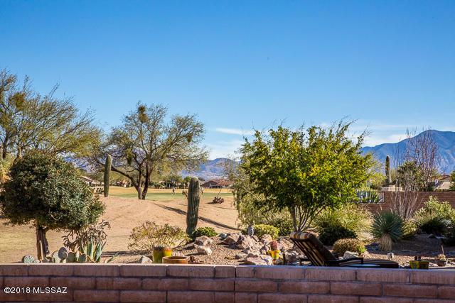 1222 N Night Heron Drive, Green Valley, AZ 85614 (#21804422) :: Long Realty Company