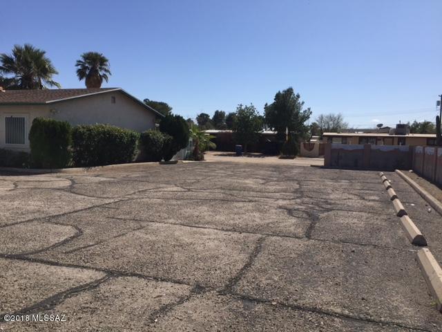 1326 W Pastime, Tucson, AZ 85705 (#21805548) :: Long Realty Company