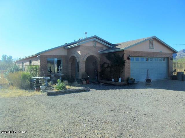 1394 Calle Tepic, Rio Rico, AZ 85648 (#21805811) :: The Josh Berkley Team