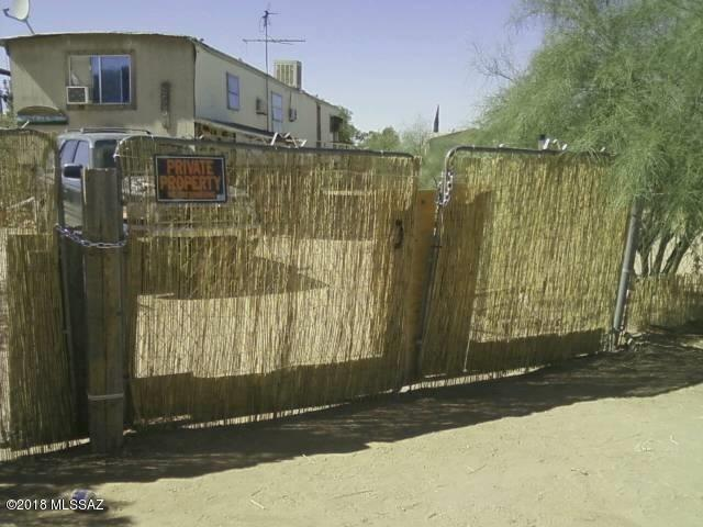 5956 S Cloverleaf, Tucson, AZ 85757 (#21806954) :: Long Realty Company