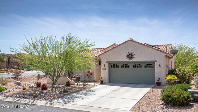 1718 E Gray Vireo Lane, Green Valley, AZ 85614 (#21810444) :: Long Realty Company
