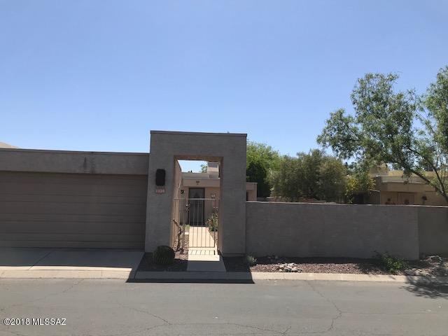 3530 N Brookhaven Lane, Tucson, AZ 85712 (#21811388) :: The KMS Team