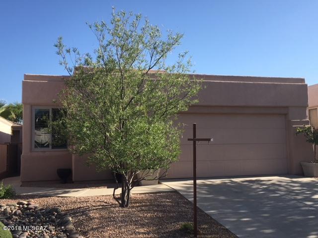7366 E Calle Hospedero, Tucson, AZ 85715 (#21811451) :: Long Realty - The Vallee Gold Team