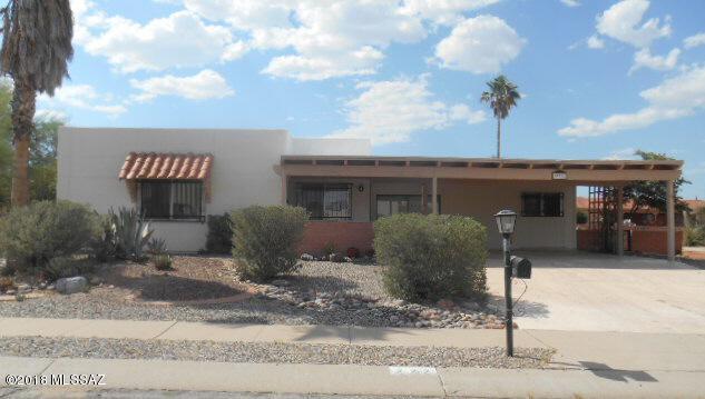 222 W Calle Frambuesa, Green Valley, AZ 85614 (#21817262) :: Long Realty Company