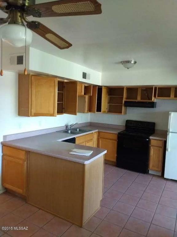 1378 S Avenida Polar L-5, Tucson, AZ 85710 (#21818219) :: Long Realty Company