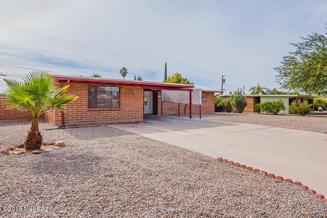 6950 E Calle Jupiter, Tucson, AZ 85710 (#21820585) :: The Josh Berkley Team