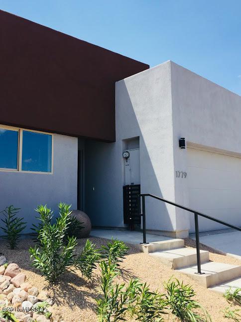 1779 San Luis Drive, Nogales, AZ 85621 (#21821372) :: Gateway Partners at Realty Executives Tucson Elite