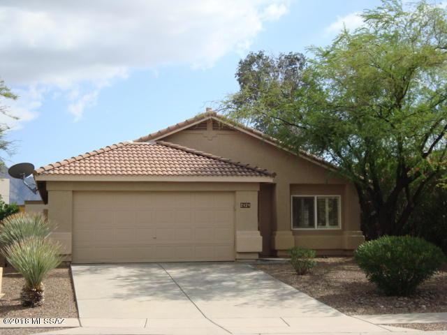 2424 E Mortar Pestle Drive, Oro Valley, AZ 85755 (#21821846) :: Long Realty - The Vallee Gold Team