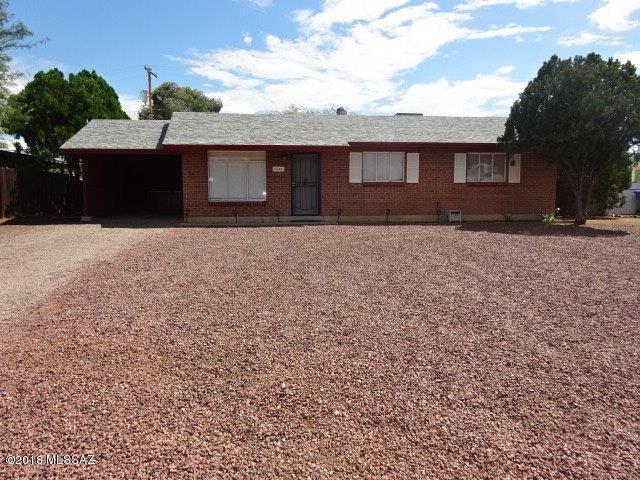 6342 E Calle Castor, Tucson, AZ 85710 (#21823265) :: The Josh Berkley Team