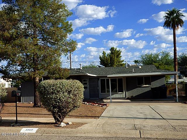5515 E 4th Street, Tucson, AZ 85711 (#21825080) :: Long Realty Company