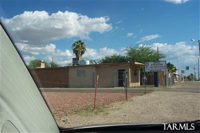 3213 S 12Th Avenue, Tucson, AZ 85713 (#21825799) :: Long Realty Company