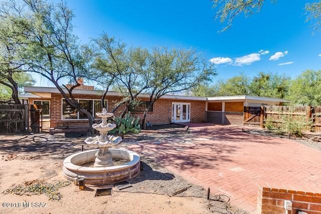 4231 N Bear Claw Way, Tucson, AZ 85749 (#21827395) :: The Josh Berkley Team