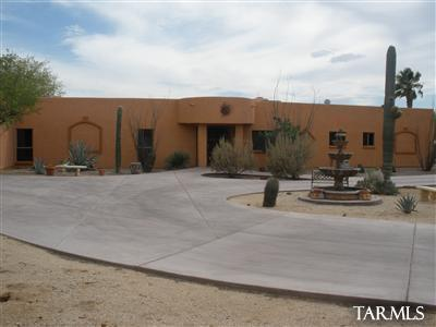 2590 N Tanque Verde Acres Drive, Tucson, AZ 85749 (#21827703) :: The Josh Berkley Team