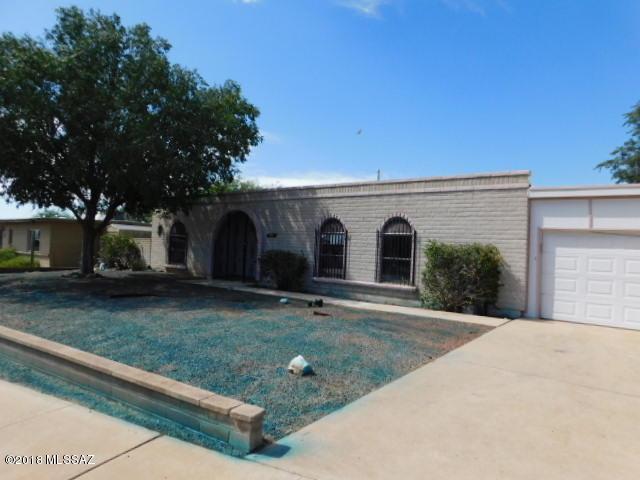 9841 E Sellarole Road, Tucson, AZ 85730 (#21827930) :: The KMS Team