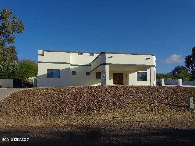 408 Hopkins Street, Rio Rico, AZ 85648 (#21830366) :: RJ Homes Team