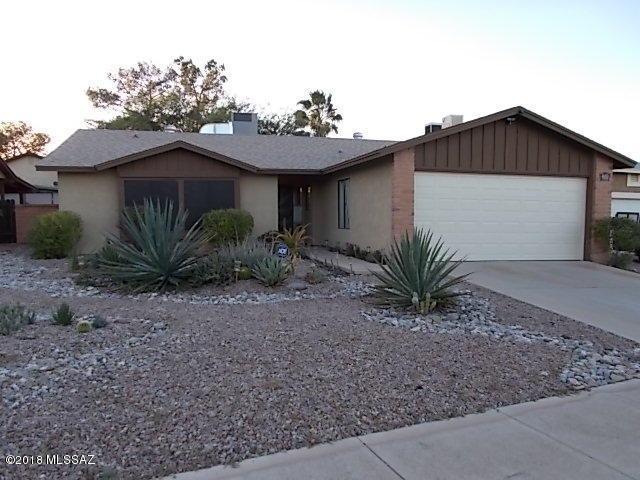 215 N Redcoat Lane, Tucson, AZ 85748 (#21830400) :: The Josh Berkley Team
