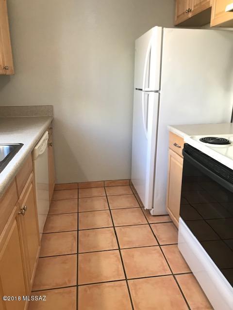 1600 N Wilmot Road #127, Tucson, AZ 85712 (#21830456) :: Long Realty Company