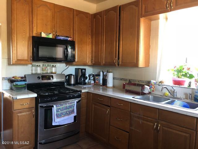 906 N Grande Avenue, Tucson, AZ 85745 (#21830721) :: Long Realty - The Vallee Gold Team
