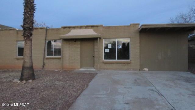 7686 E Queen Palm Ci Circle E, Tucson, AZ 85730 (#21832005) :: The KMS Team