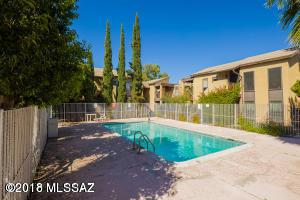 1620 N Wilmot Road S440, Tucson, AZ 85712 (#21832334) :: Long Realty - The Vallee Gold Team