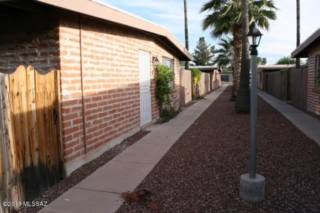 5542 E Glenn Street, Tucson, AZ 85712 (#21832358) :: Gateway Partners at Realty Executives Tucson Elite