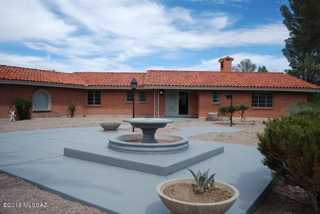 1401 E Beatus Drive, Nogales, AZ 85621 (#21901289) :: Long Realty Company
