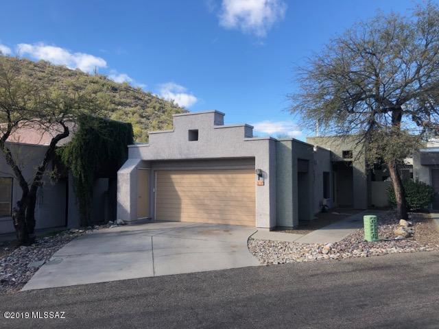 7212 E Crystal Mist Drive, Tucson, AZ 85750 (#21901884) :: Stratton Group