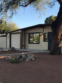 7912 E Timrod Place, Tucson, AZ 85710 (#21902150) :: Long Realty Company