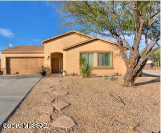 8228 W Calle Escorial, Tucson, AZ 85757 (#21903628) :: Long Realty Company