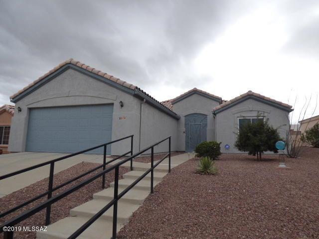 1735 N Via Cananea, Green Valley, AZ 85614 (#21904682) :: Long Realty Company